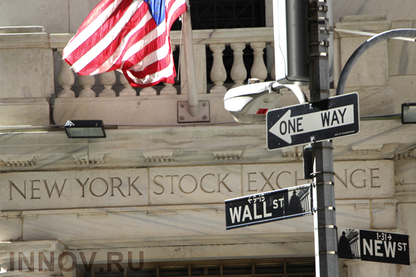 North American stock markets close low