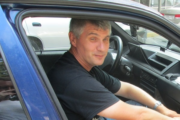 Refugee from Lugansk lives in his car