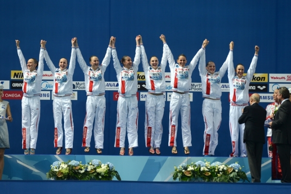 Russian Synchronized Divers Took Gold at 2015 World Aquatics Championships in Kazan